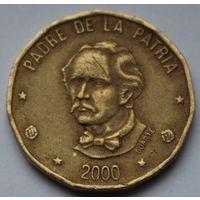 Доминикана, 1 песо 2000 г.
