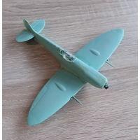 Пластиковая модель Spitfire (лом, на восстановление)