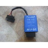 103480Щ VW Touran блок управления топливным насосом 3С0906093D