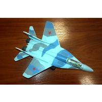 Модель самолета Миг-29 (пластик, большой размер)