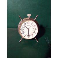 Часы будильник Ракета в работу