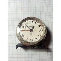Часы-будильник ,,Ракета,,под реставрацию.Старт с 2-х рублей без м.ц.Смотрите другие лоты,много интересного.