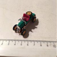 Киндер автомобиль