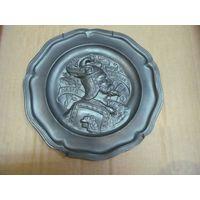 Настенная тарелка Hagen von Tronie, олово, 23 см.