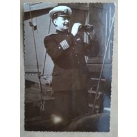 Фото морского пограничника. 1950-е. 8х11 см.