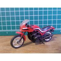 Модель мотоцикла Kawasaki GPZ 1100 в масштабе 1:24