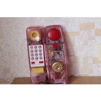 Старый прозрачный телефон