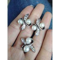Серьги и кольцо с натуральным речным жемчугом