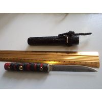 Нож ручной работы в японском стиле в деревянных ножнах