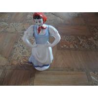 Фарфоровая статуэтка-плясунья