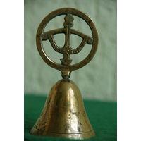 Колокольчик латунный   ( высота 11 см , диаметр 5,5 см )
