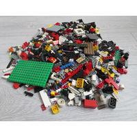 Лего. Cobi. Brick и др... без сортировки... вес: 1,5 - 2 кг. Элементов: 1 500 - 2 000.