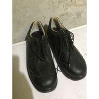 Ботинки кожаные со стальным носом.