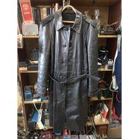 Плащ-пальто кожаный советский. Размер 48/4-5
