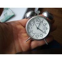 Часы-будильник Ракета Россия
