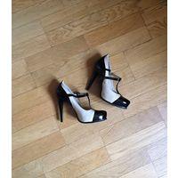 Новые нарядные туфли на высоком каблуке из натур. кожи 38 (Польша)