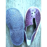 Сандалики -кожа(новые) на шнурочках