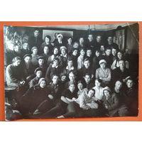 Групповое фото комсомольского актива г.Данилова. Иваново-Вознесенская обл. РСФСР. 1930-е г. 11х16 см