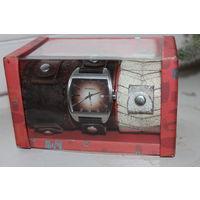 Часы  FOSSIL в упаковке с двумя дополнительными ремешками