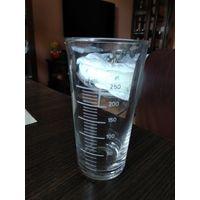Стеклянный мерный стакан 250 грамм СССР.