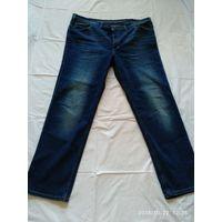 Мужские джинсы немецкой фирмы MUSTANG True Denim Модель TRAMPER.Размер 46/34.Пояс 134 см.