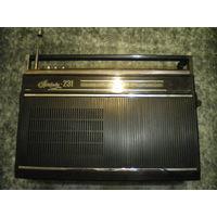 """Радиоприемник """"Spidola 231"""", модель VEF-AПП-II, рабочий."""