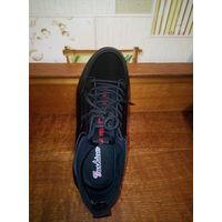 Кроссовки новые, цвет чёрный, материал искусственный, сезон деми Пр-во, Въетнам.