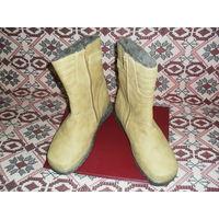 Женск. зимние ботинки 40 разм..
