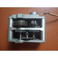 Микроэлектродвигатель с редуктором на 12 вольт