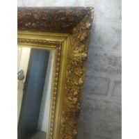 Старинное деревянное зеркало