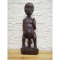 Африканская статуэтка.