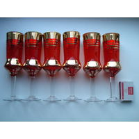 Шесть красных высоких бокала с позолотой, 60-70 годы, винтаж.