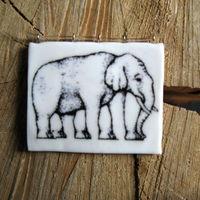 Подвеска ручной работы со слоном