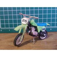 Модель мотоцикла Kawasaki KX 125 в масштабе 1:24