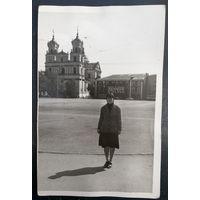 Гродно, Советская площадь, костёл, женщина.