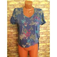 Майка блуза на 44 +- размер. Длина 51 см, ширина 50 см. Очень интересная модель. натуральная ткань.
