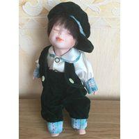 Кукла. Высота 30 см