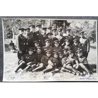 Фото группы солдат. 9.05.1966 г. Печи (Борисов). 11х17 см.