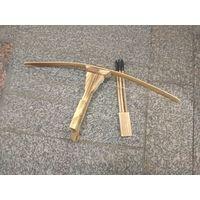 Арбалет деревянный+три стрелы с резиновыми наконечниками