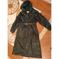 Кожаное пальто для дам с пышными формами
