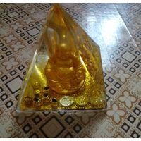 Сувенир денежная пирамида (подставка для ручек)