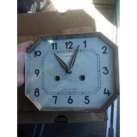 Часы Янтарь.