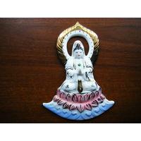 Буддийское панно из фарфора. С отверстием для курения палочки благовоний.