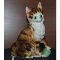 Статуэтка ночник Кот с мячиком,Германия