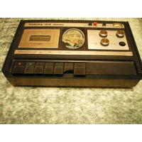 """Магнитофон """"Тоника-310 стерео""""."""
