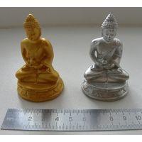 Две статуэтки Будда. Копии, гипс.