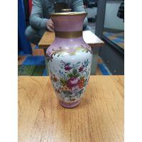 Фарфоровая ваза. Ручная роспись.