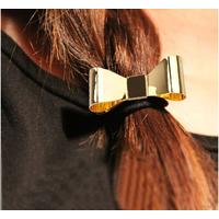 Стильный бантик для волос на резинке. Золотой глянцевый металл. Резинка бантик для волос.