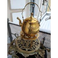 Лот с рубля - 146 Чайник на подставке латунь золочение Штихилевка без Минималки Большой Аукцион!