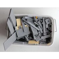 Конструктор, много деталей, Китай, аналогичный Lego и идеально состыкующийся с ним.